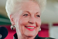 800px-Ann_Richards_Governor_of_Texas