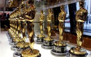 Oscar_statuettes_1810272c